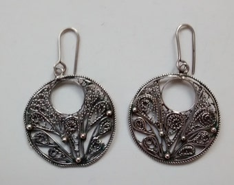 pretty filigree earrings, filigree circles, from Egypt