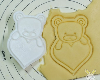Bear on the Heart Cookie Cutter and Stamp Set