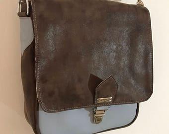 Sporty fun leather shoulder bag