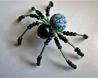 1 Spider Beaded ,Green And Black