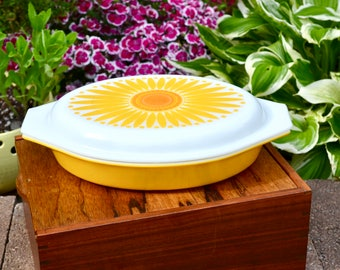 Vintage Pyrex Sunflower Dish | Collectible Pyrex Sunflower Divided Dish | Yellow Pyrex With Floral Lid | Daisy Pyrex Dish | Promotional Dish