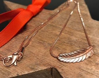 Beautiful Rose Gold Feather Necklace