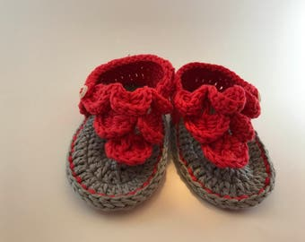 Baby shoes, baby booties crochet flip flop model, tg 6/9 months. Crochet baby shoes