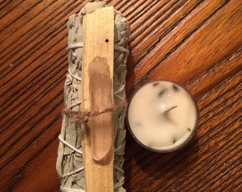 Sage and Palo Santo Bandle - Smudging - Purification - Witchcraft - Cleansing