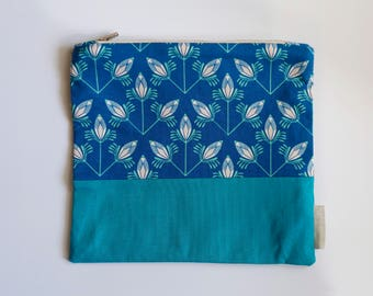 Floral Pattern Zipper Pouch