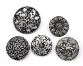 50 buttons, button mix, metal, vintage style, antique-style 17mm-23mm, 09142