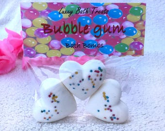 Hand crafted - Luxxy Bath Treats - 3 Heart Bath Bombs - Bubblegum with sprinkles - disolvable sugar sprinkles - Gift pack