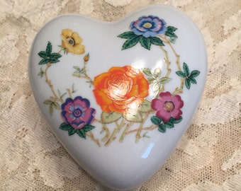 Floral heart shaped container