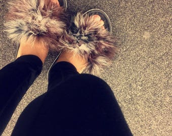 Mixed brown and black fur slide