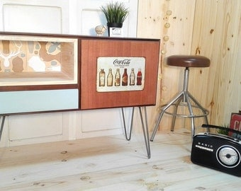 Coca-Cola table Tv / sideboard with plate metal vintage and Hairpin legs inside deer