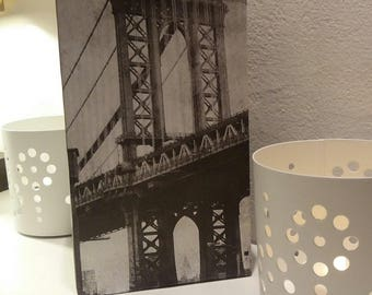 Vase, decorative object, New York City, series 'the bridge' recycled cardboard, 1 liter