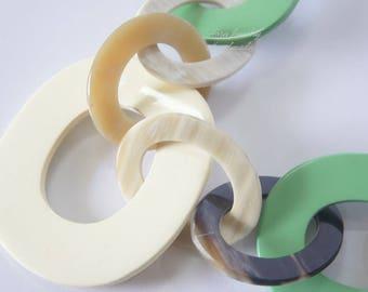 Natural buffalo horn necklace with pastel lacquer color - collier en corne corne de buffle