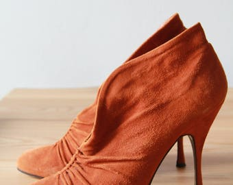 Vintage tan suede Dolce and Gabbana heels/ankle boots size 41