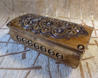 Wooden handcrafted jewelery box for rings earings carved from natural wood #d104