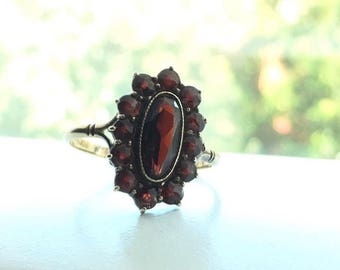 Victorian Oval & Rose Cut Garnet ring
