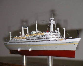 ss Rotterdam of 1959 Holland America Line Highly Detailed Ocean Liner Model in case