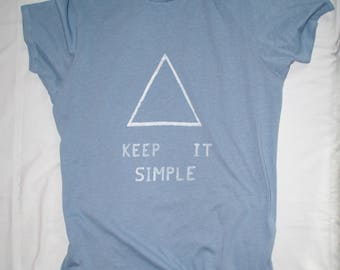 Keep it simple! Triangle T-shirt