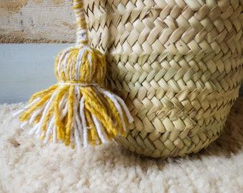 Two-tone cotton hand-made Pompom