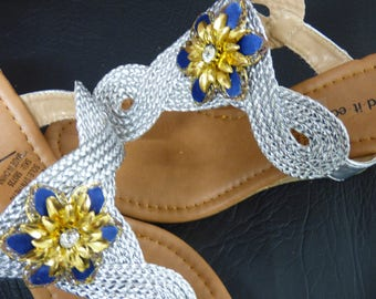 Stunning Addition To Any Outfit. Royal Blue & Gold Clippetts.