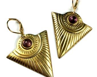 BO NABIRYE gilt gold end 24 K amethyst and support raw brass
