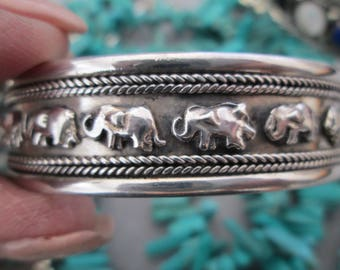 Gorgeous Solid Sterling ELEPHANT Cuff Bracelet from Bali >> Vintage 1980's, New old stock, never worn>> Elephants with Trunk UP = Good Luck!