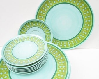 Vintage Melmac Plates Set of 16 Saucers Patterned Green Blue 60's 70's Retro Kitsch Kitchen Decoration Dinnerware