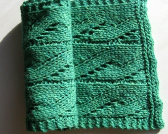 Hand Knit Scarf, Bulky Green Winter Scarf for Men and Women made with Alpaca / Wool Yarn
