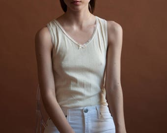 eyelet trim tank / fitted ribbon tank / cotton cream top / s / 2389t / B18