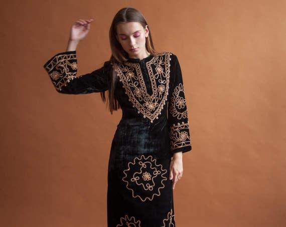 70s black velvet turkish hippie dress / embroidered maxi dress / bell sleeve / s / 001d / R4