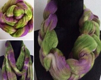 Kammzug, handgefärbt, lila/grün