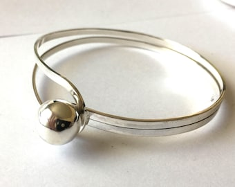 "7"" sterling silver ribbin  bangle bracelet with ball AB11"
