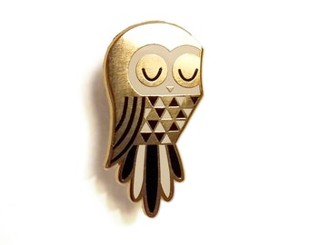 Twit Owl - Enamel Pin Badge
