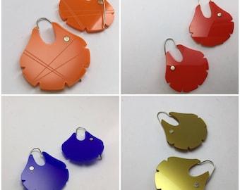 CHAWAY earrings in various colors