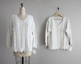white pom sweater | cotton sweater | scalloped sweater