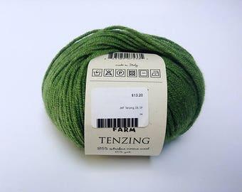 Green wool yarn - destash - wool yarn - Free shipping