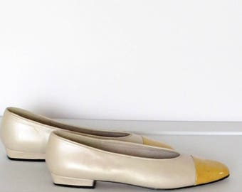 Sz 8M Womens Shoes 80s Etienne Aigner Ivory and Yellow Leather Flats Made in Spain