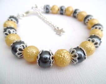 Lemon and Gray Bracelet with Star Charm, Bridesmaids Jewelry, Yellow Pearl Bracelet, Single Strand Bracelet, Jewelry Gift For Bridesmaids