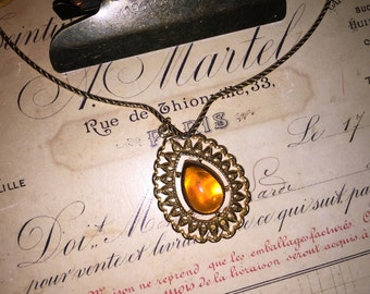 Vintage Sarah Coventry Amber Pendant Choker Necklace