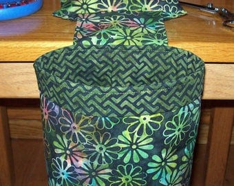 Thread Catcher // Scrap Caddy // Pin Cushion // With Rubberized Gripper Strip // Green Floral Batik