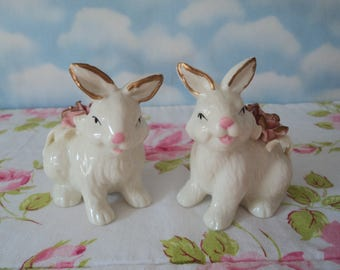 Easter Bunny Salt & Pepper Shakers - MINT CONDITION