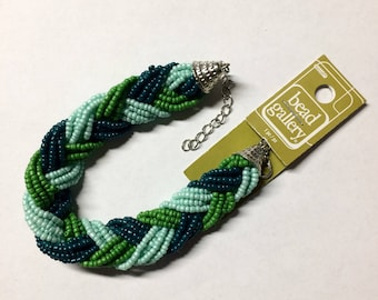 Green seed bead bracelet - lots of seed beads for your use!