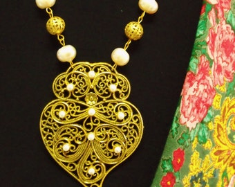 Heart of Viana filigree Pearls Portuguese necklace