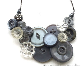 Vintage Button Necklace Glamorous Gray Fashion