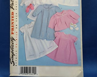 Simplicity 2629, printed sewing pattern, babies layette, sizes XX-Small to Large