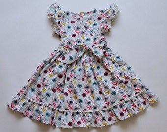 SAMPLE SALE - Lola Dress in Happy Travels - Size 4