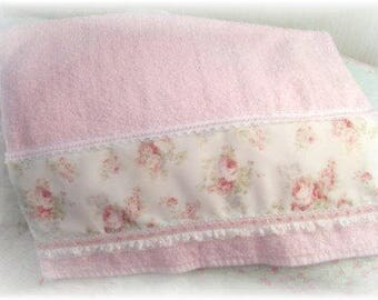 NEW Romantic Mary Rose PINK Roses Lt Pink Guest Towel
