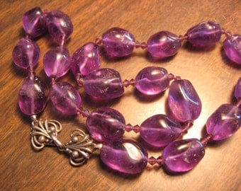 Gorgeous grapey Amethyst bead necklace
