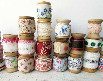 Antique Wooden Thread Spools with Old Trims and Tapes, 25 Wooden Spools w 25 Different Vintage Trims, Sewing Room Display, Wall Box Decor
