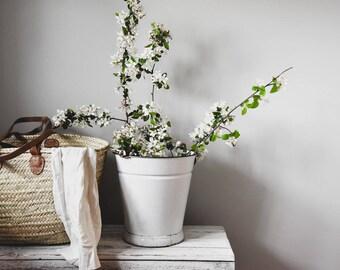Vintage White Enamel Bucket, Rustic Enamel Bucket, Enamel Bucket, Garden, Home Decor, Vintage Bucket, Pail, Cottage Decor, Farmhouse Decor,
