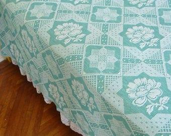 Vintage Bates Bedspread, Vintage Green Bedspread, Lightweight Bedspread, Green White Bedspread, Twin Full Double Bedspread, Floral Bedspread